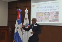 """Ministerio de Trabajo presenta charla sobre """"Manejo del Estrés"""""""
